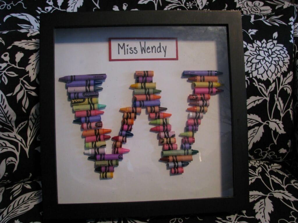 Teacher Gift Ideas – Crayon Monogram & Crayon Wreath