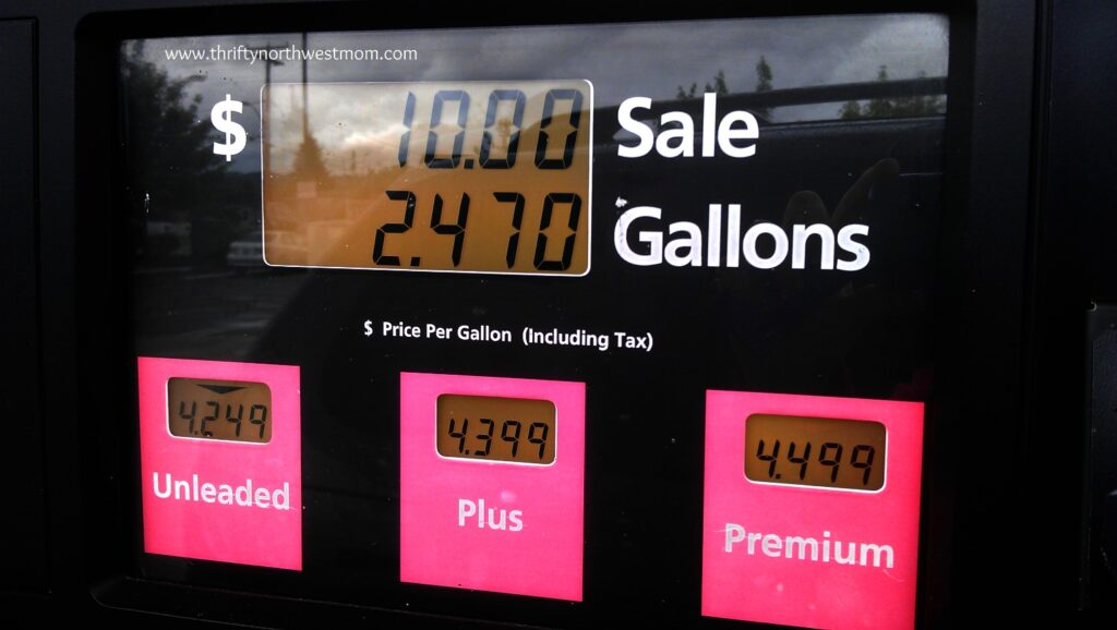 Saving Money at the Pump – Five Ways to Reduce your Gas Budget for Travel!