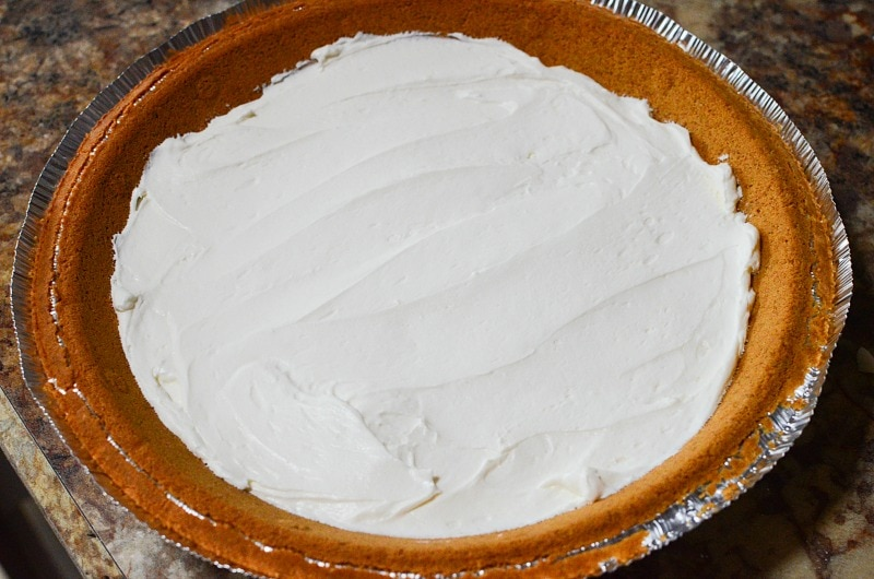 Cream Cheese Mixture on Crust for Easy Blueberry Pie