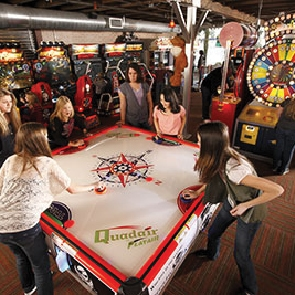 Portland – $25 for 4 Games of Bowling, 4 Shoe Rentals, Any Large Pizza & 10 Arcade Games!