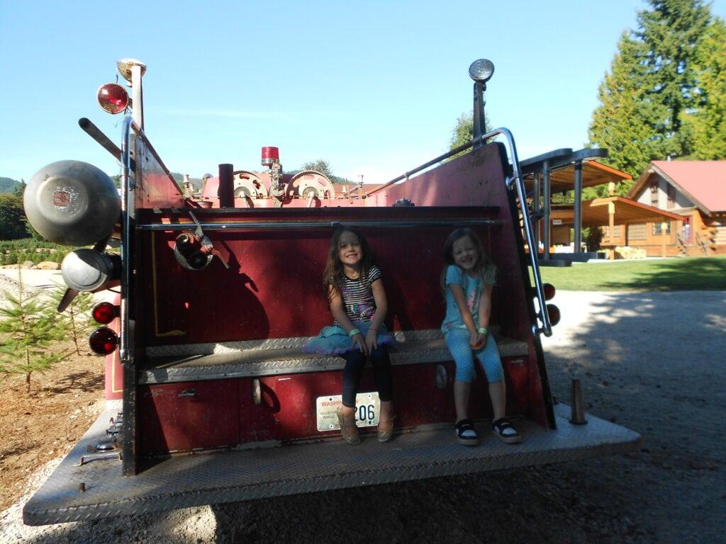 Trinity Pumpkin Farms – FREE Hay Rides & Bouncy House Deal!