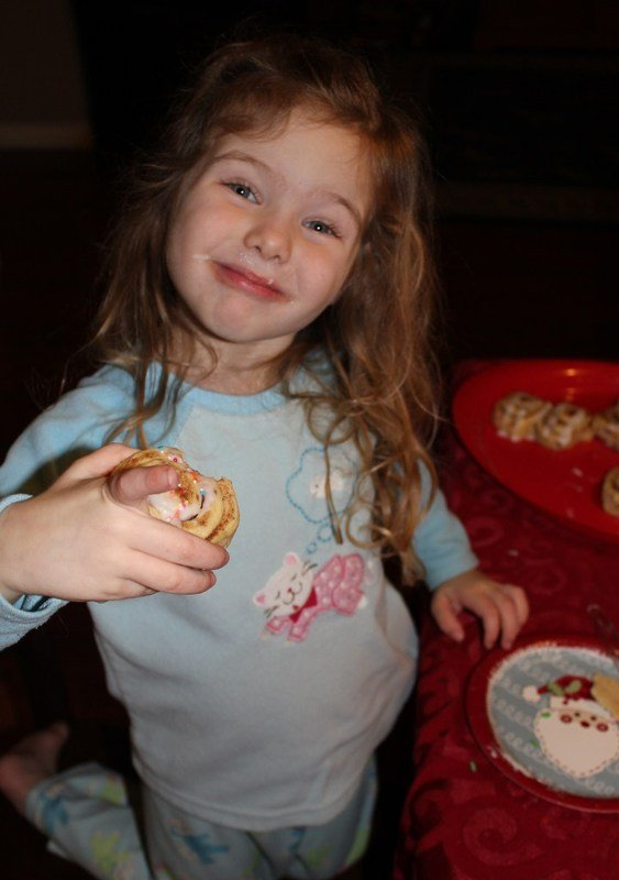 Great Value Refrigerated Cinnamon Rolls & Cookie Dough – Time-Savers during the Holidays!