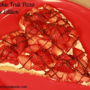 Valentine's Day treats heart shaped fruit pizza