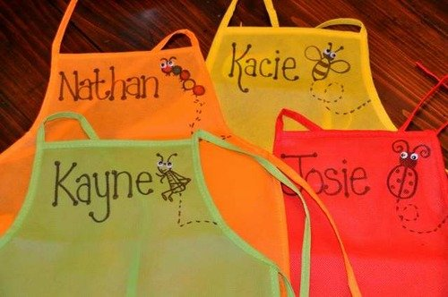 Amazon Kids Crafts – Kids 12 Pack Aprons – Great Deal!