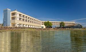Groupon Silverdale Beach Hotel