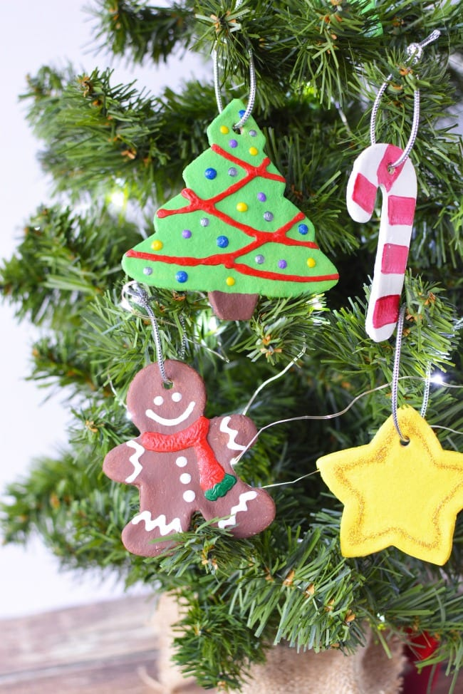 Diy Christmas Tree Ornaments 50 Simple Ornaments To Make With