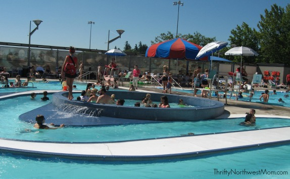 Wilson Pool In Portland Frugal Amp Fun For Families With Slides Lazy River Amp More Thrifty Nw Mom
