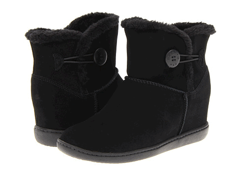 You can grab these SKECHERS SKCH Plus 3 - Cozy Up for just $34.64!