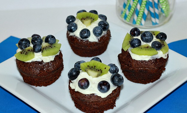 Seahawks Game Day Dessert Brownie Bites