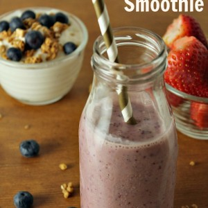 Berry Banana Smoothie with Chia Seeds