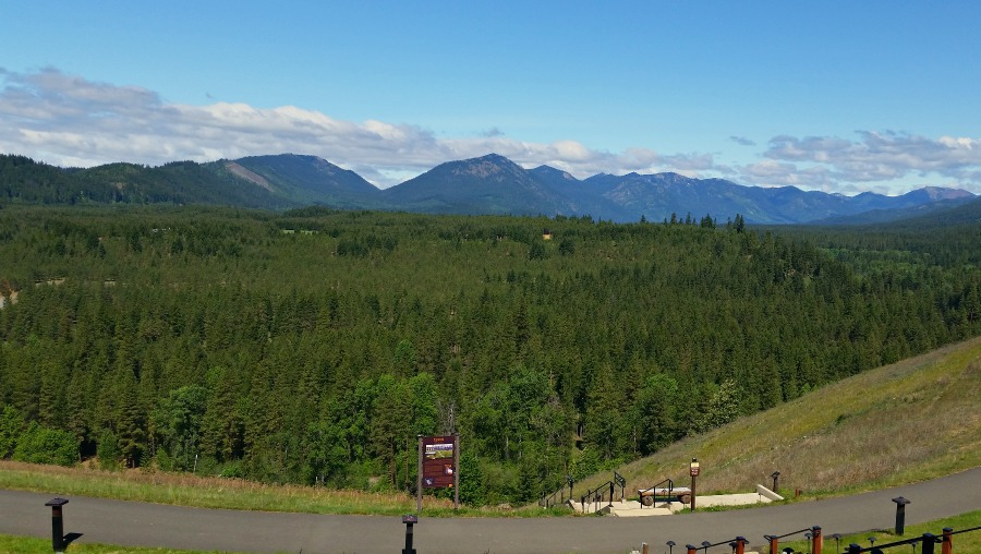View from Suncadia Lodge of Cascade Mountains