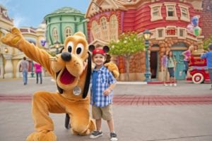 Universal Studios Discount Tickets Roundup & Review. When people come to Southern California, they typically want to know about the stars — where are they, how can we see them out and about.