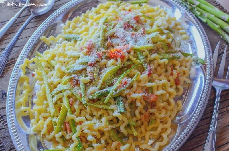 Try this easy Bacon Asparagus and Tomato Pasta for a light & healthy pasta dish