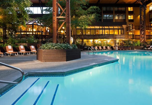 Marriott Seatac Pool Atrium