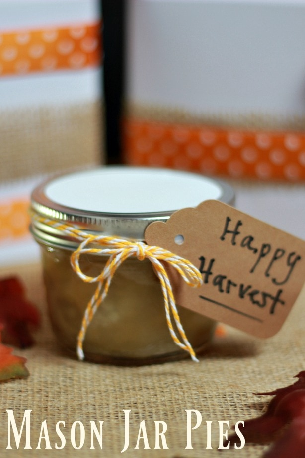 These cute & tasty Mason Jar Pies are the perfect gift for the holidays as a hostess gift, neighbor gift & more.