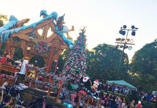 disneyland-holiday-parade