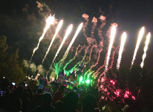 holiday-fireworks-at-disneyland