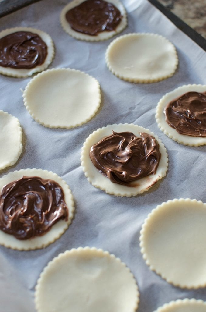 Making Nutella Mini Pies