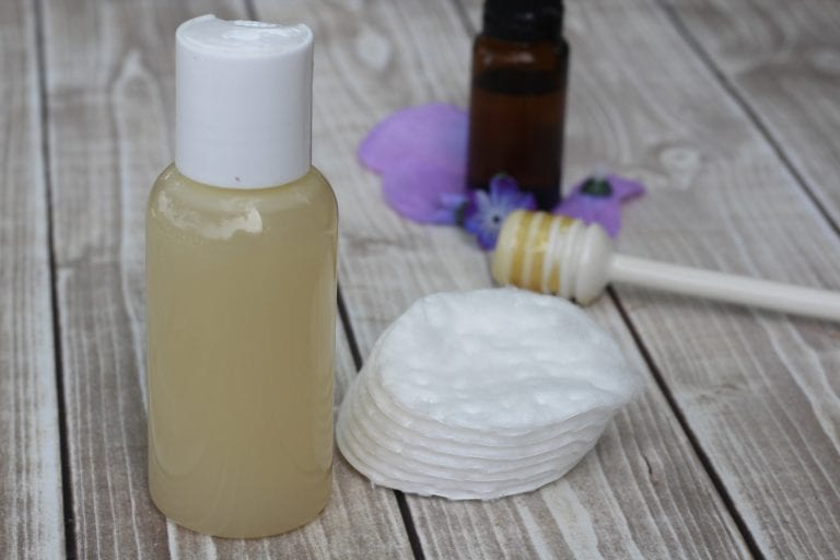 lavender-and-honey-face-wash-768x512