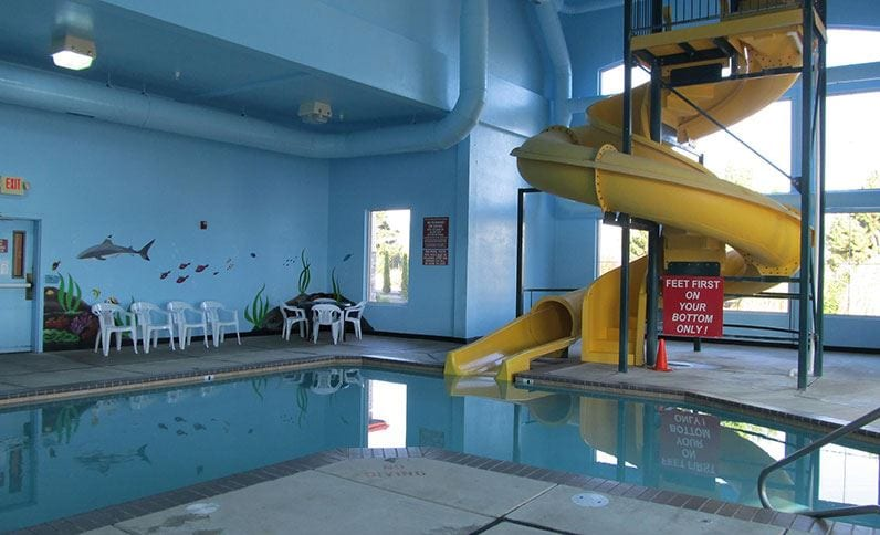 Grants Pass Hotels Indoor Swimming Pool