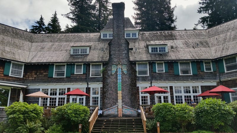 Quinault Lodge, an Olympic National Park lodge on the banks of Lake Quinault
