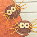 Spider Bagels – a fun Fall or Halloween Treat for Kids