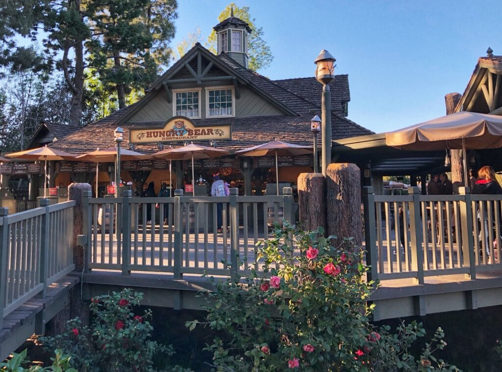 Best Value Dining: Disneyland (Which Restaurants in the Parks To Eat At)!