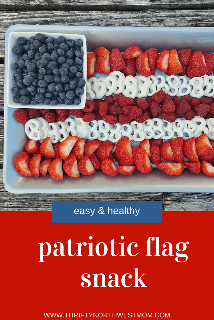 Try this patriotic flag snack for a quick & easy healthy summer snack for 4th of July, Memorial Day, Labor Day,  & more!