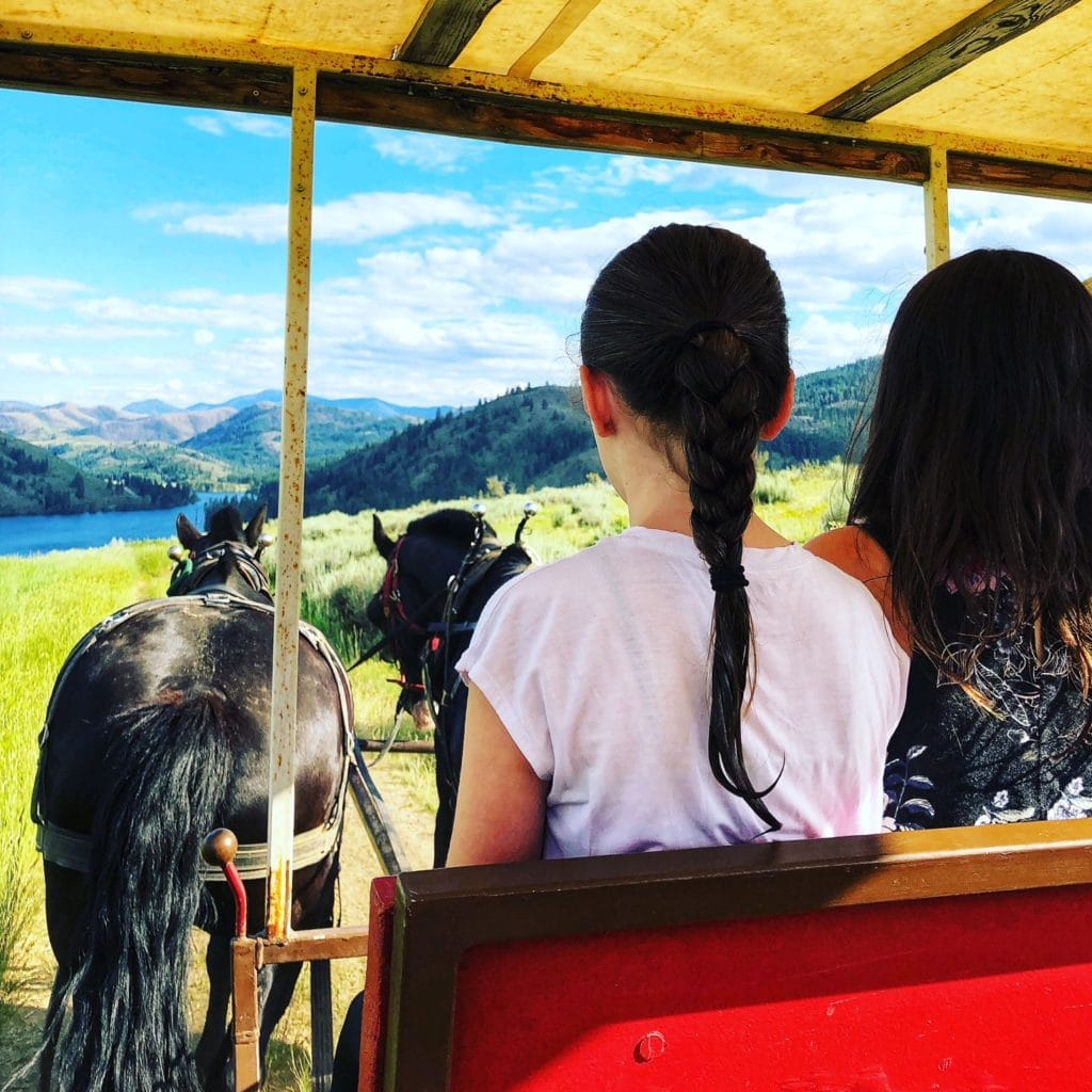 Cowboy Dinner at Sun Mountain Lodge – Fun For the Entire Family!
