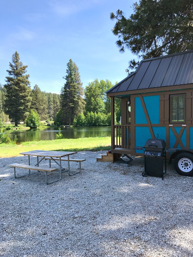 Leavenworth Tiny House with view of lake
