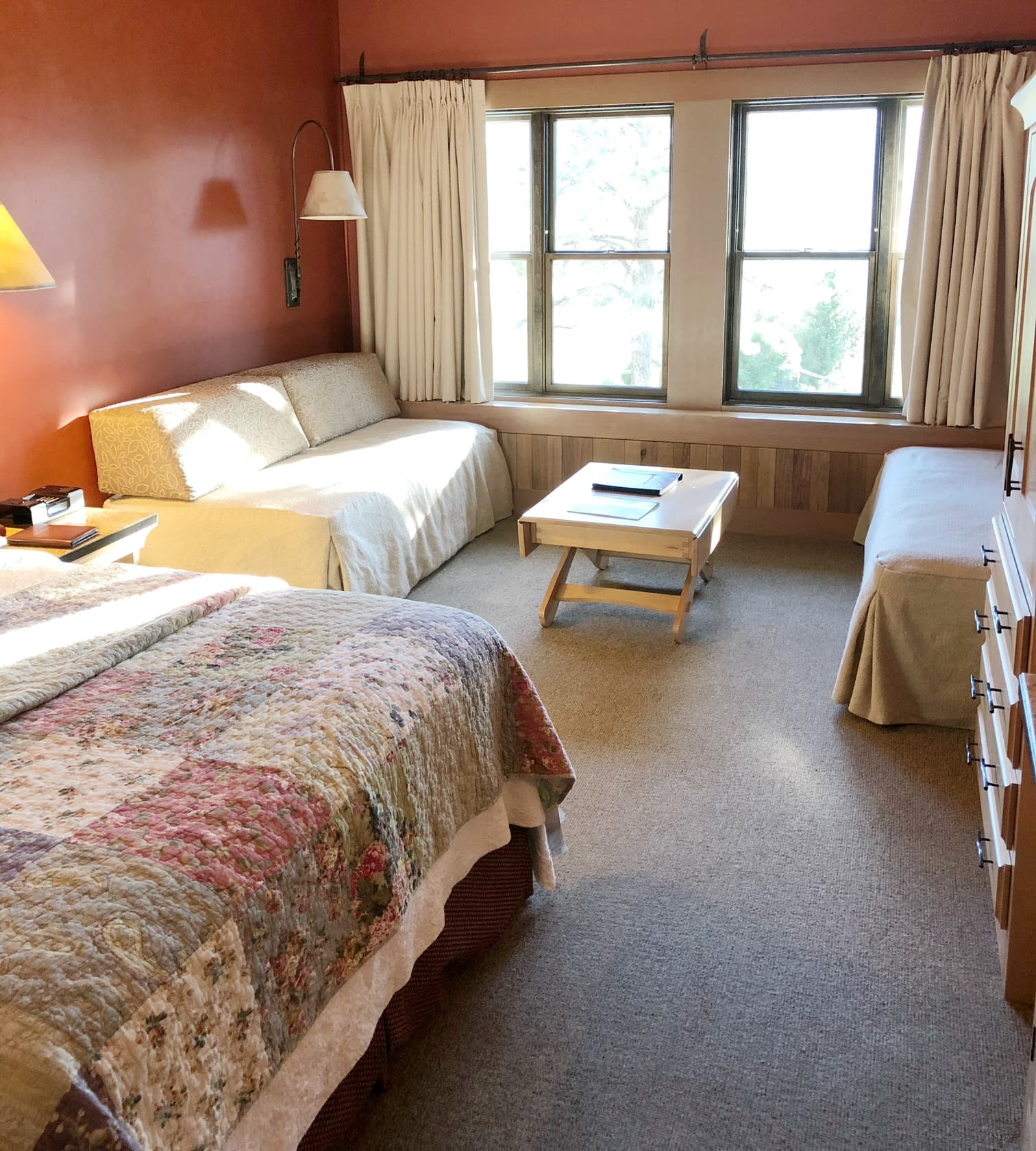 Sun Mountain Lodge Rooms