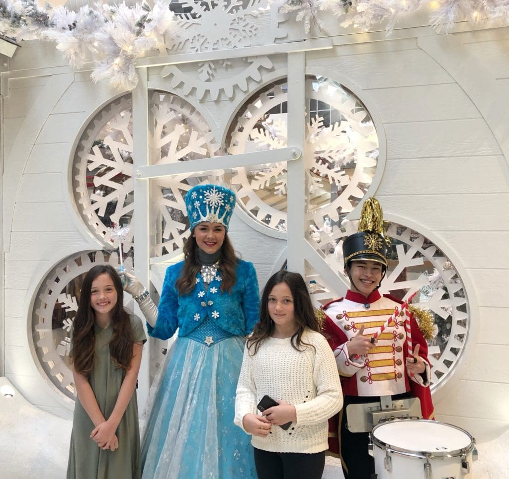 Christmas In Bellevue – FREE & Affordable Family Fun for The Entire Family!