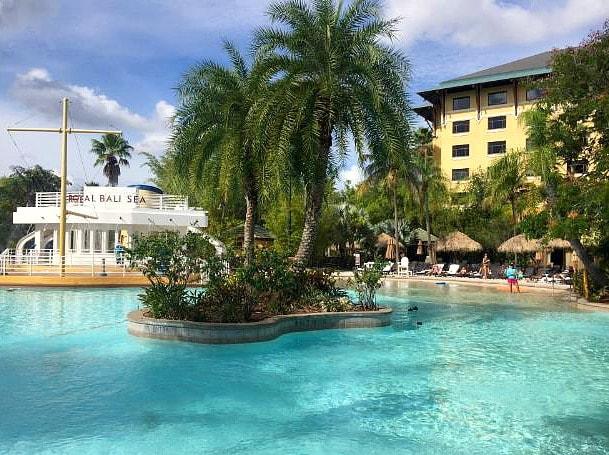 Pool at Royal Pacific Resort at Universal Studios Florida