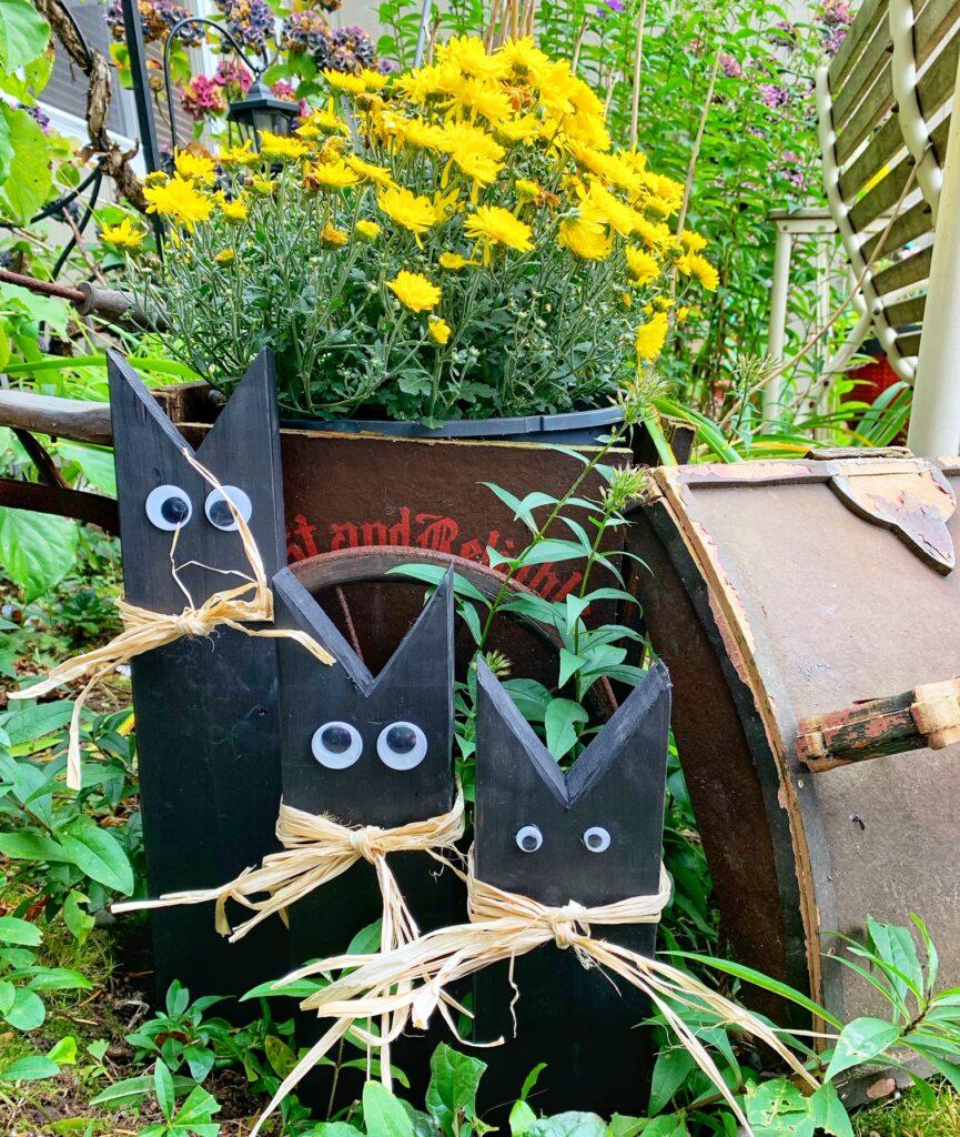 Wooden Black Cats Halloween Decor – Simple DIY Project!