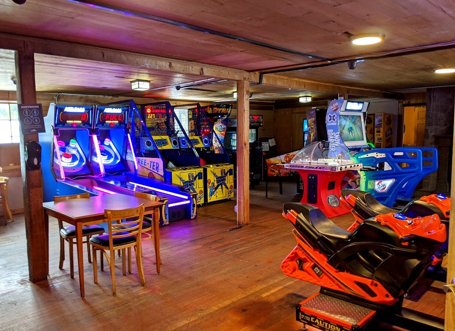 Ratskeller Arcade at Mt Hood