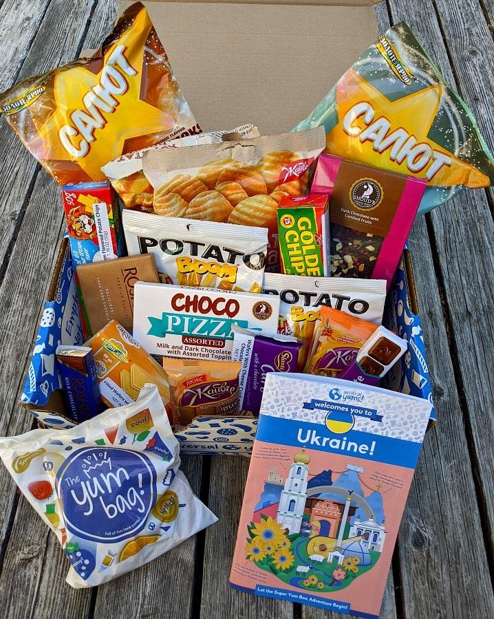 Ukraine Universal yums Box