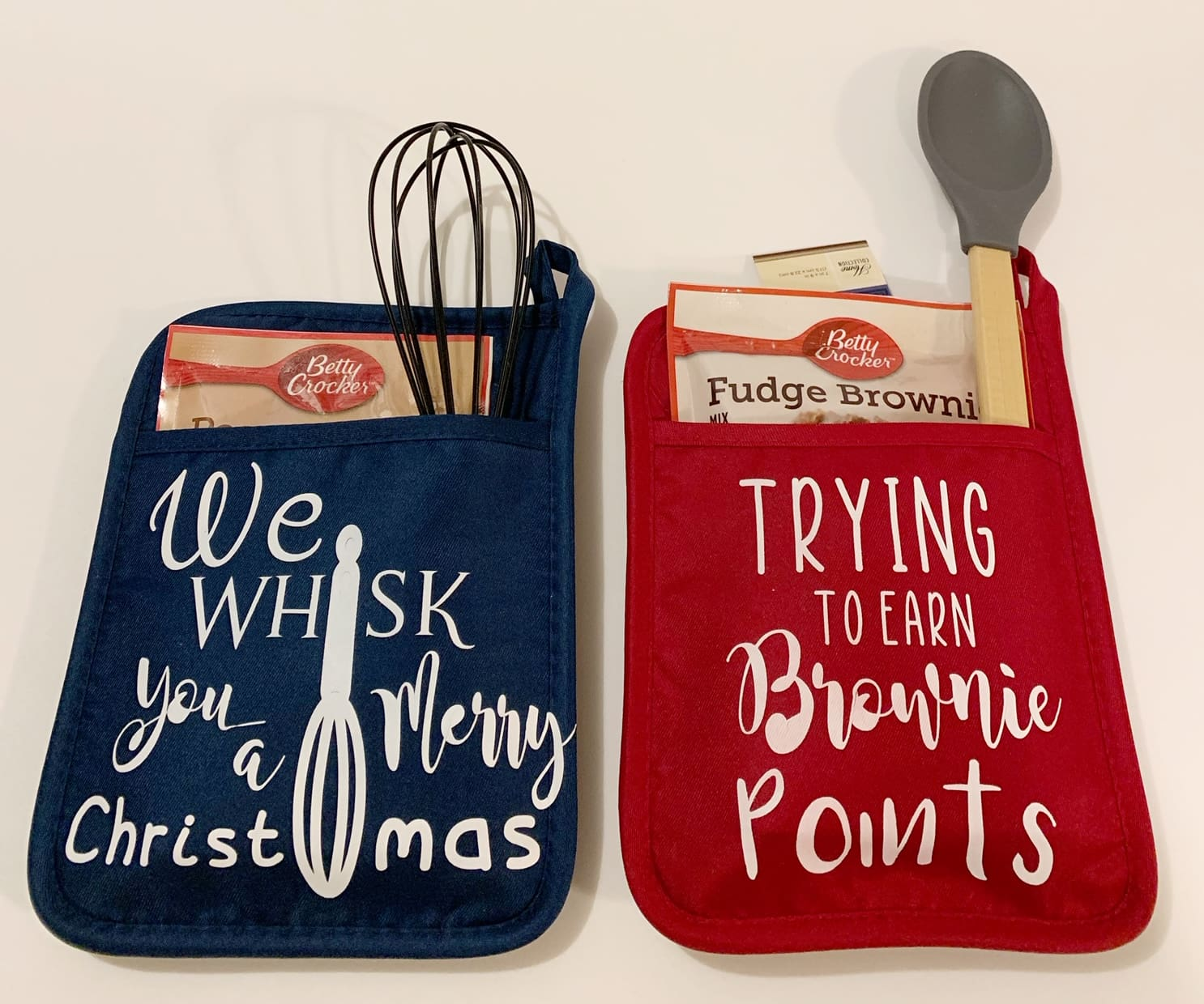 DIY Baking Mitts & Pot Holders for Christmas with Cricut