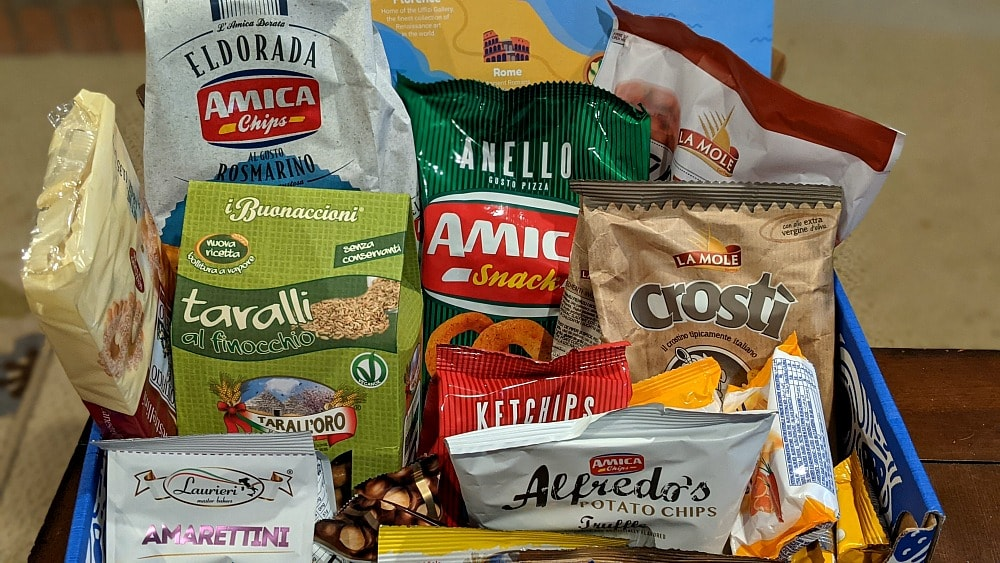 Italy Universal Yum Box with Snacks & Treats