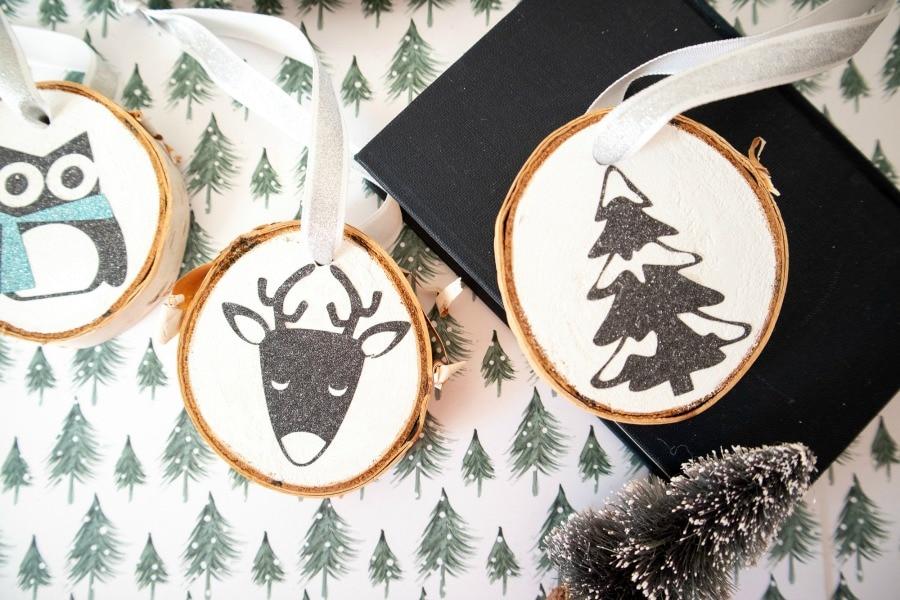 DIY Winter Wood Slice Ornaments