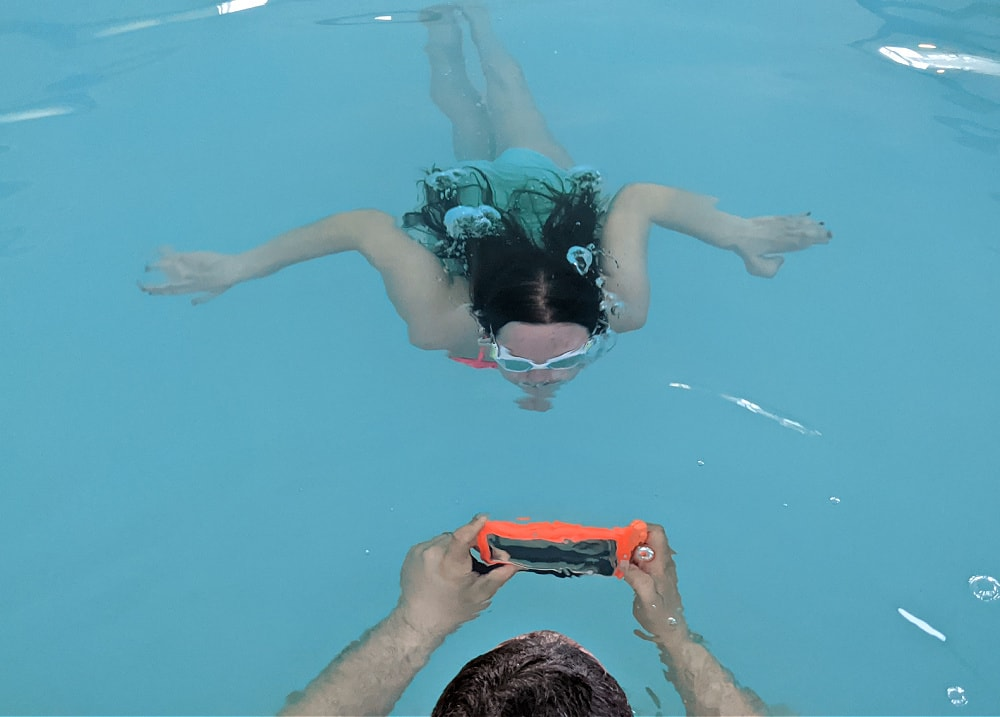 Swimming underwater & taking photos with CaliCase