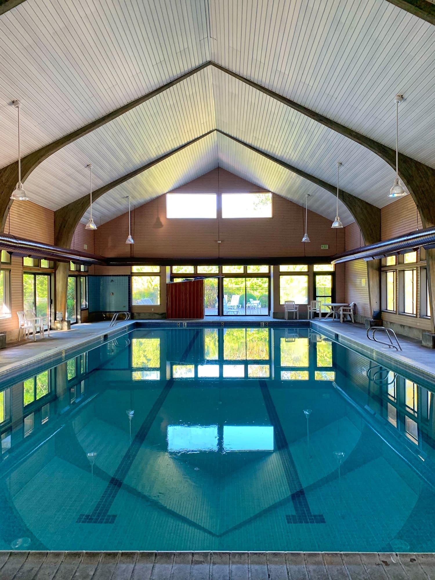 mt hood village pool