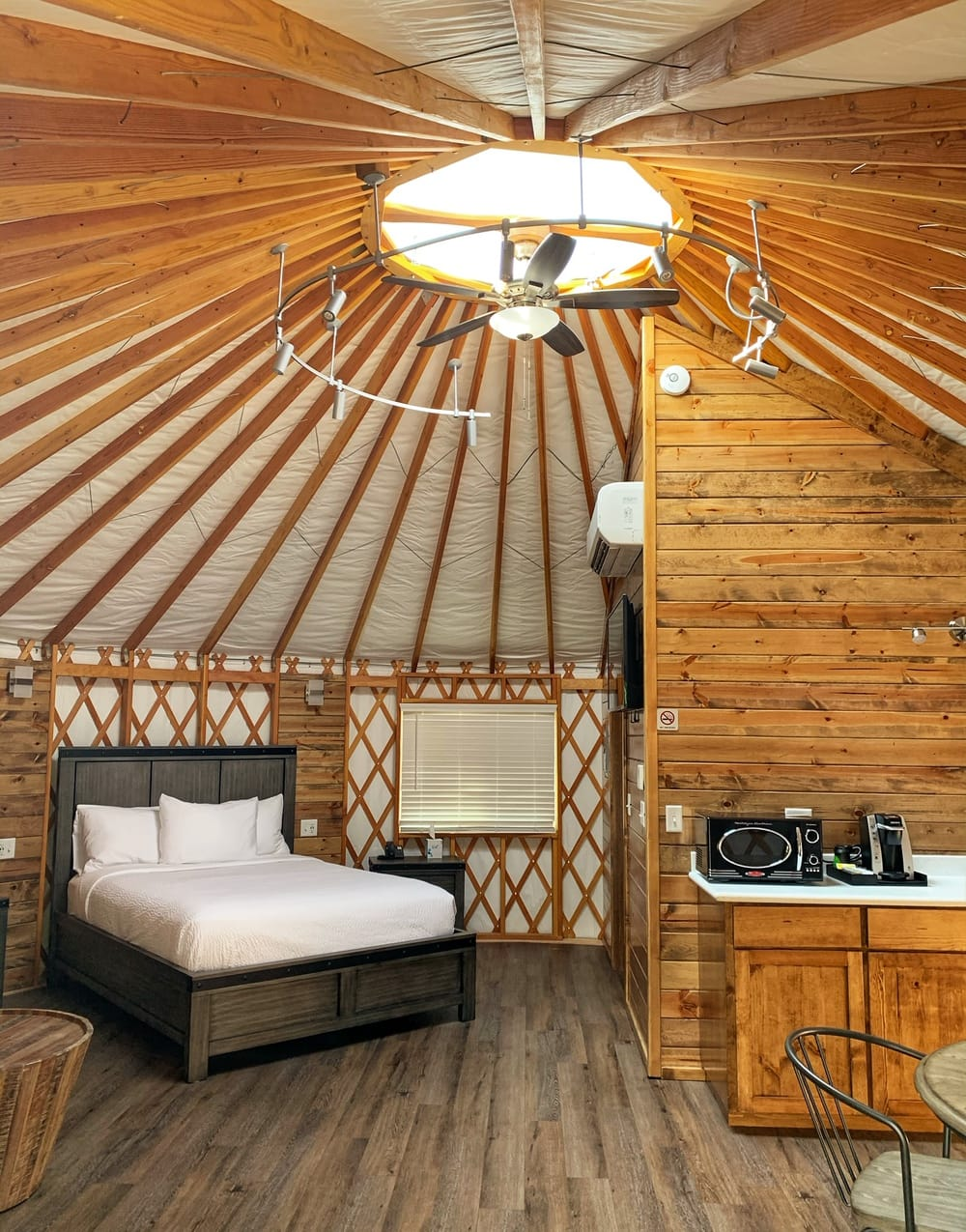 inside of yurt at seven feathers resort oregon