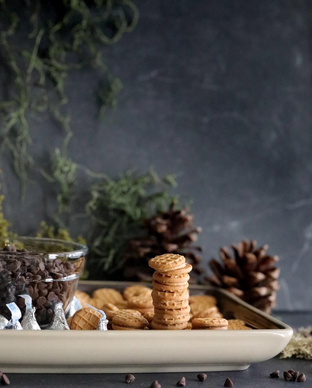 3 ingredient acorn cookies