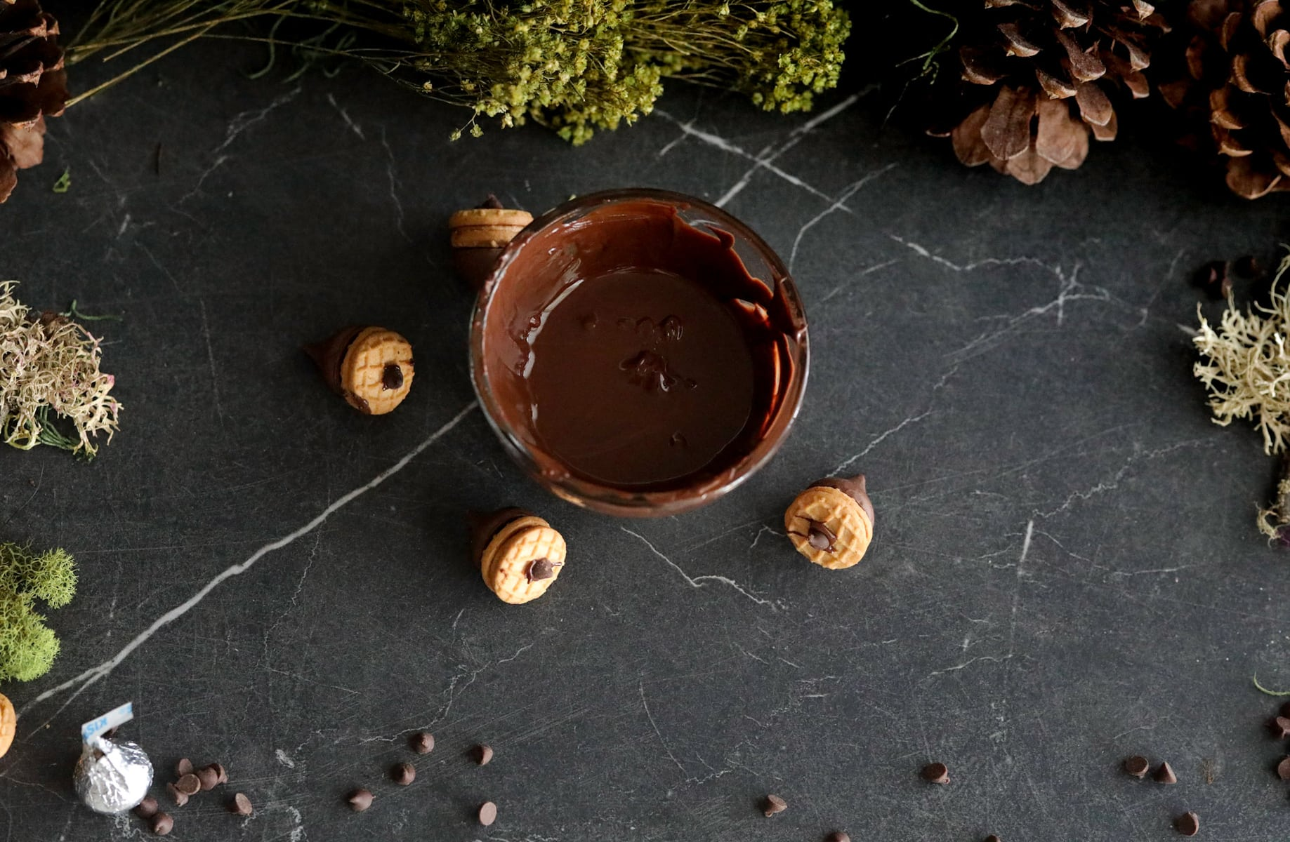 melting chocolate for acorn cookies